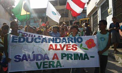 Desfile da Primavera no bairro de Coutos