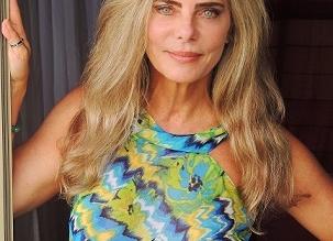 Bruna Lombardi - Ensaio Bruna vestido estampado amarelo verde e turquesa editada alta 46